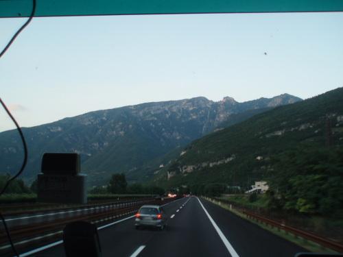 Italijos Alpės pro vilkiko langą